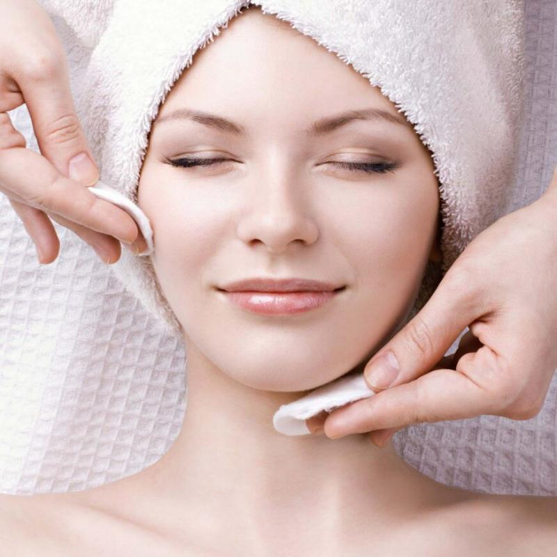 Курс - Почистване на лице, шия и деколте